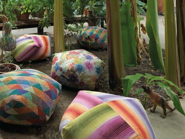 plantas bolas sillas informal jardines platanos