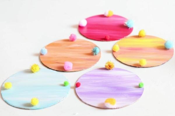 posavasos bolitas pompones deco colores