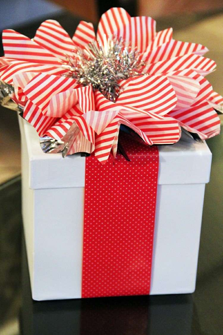 regalo original blanco cintas mesas plateado