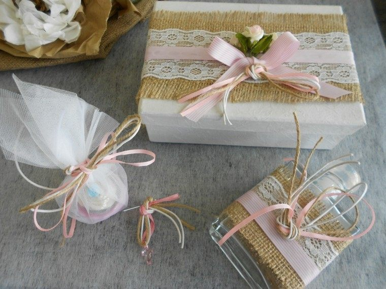 regalo perfume decorado lazo arpillera ideas