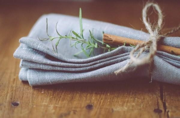 servilleta tela azul ramita lazo