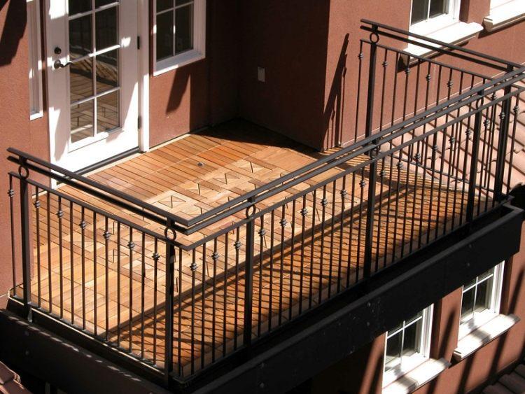 suelos-de-madera-exterior-balcon-amplio