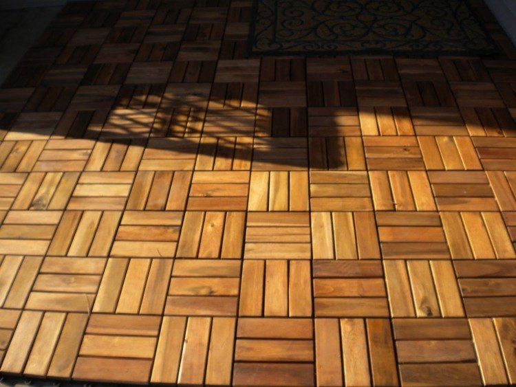 Suelos de madera 50 ideas para el balc n - Losas para exterior ...