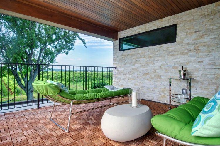 suelos madera exterior tumbona cojines verdes ideas