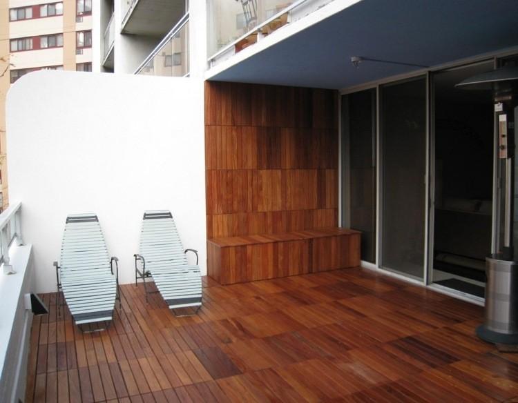 Suelos de madera 50 ideas para el balc n - Suelos madera exterior ...