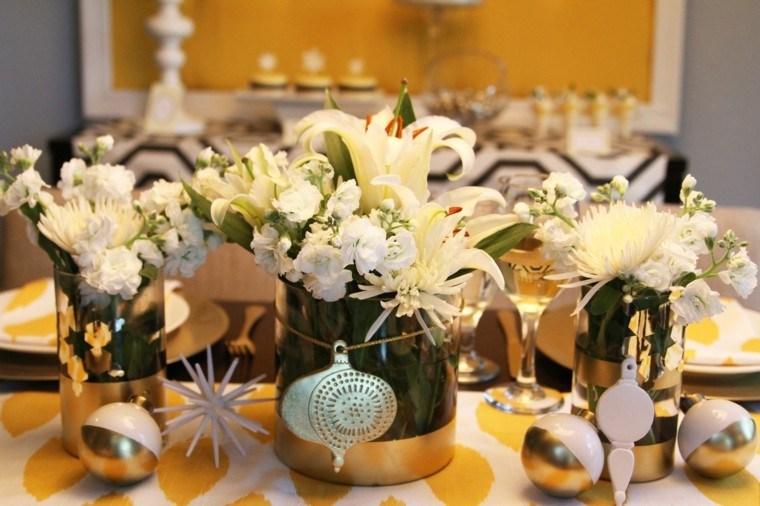tres centros mesa flores blancas