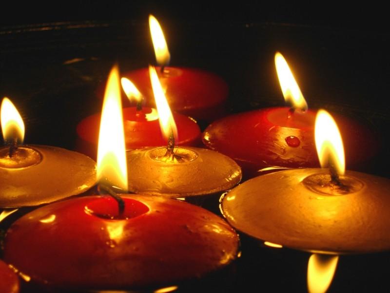 velas redondas colores cálidos