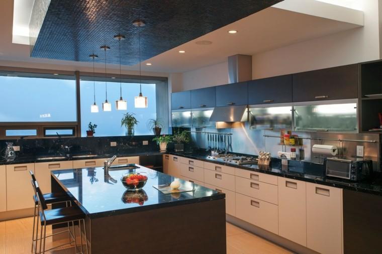 Arco cocina encimeras negras plantas decorativas ideas