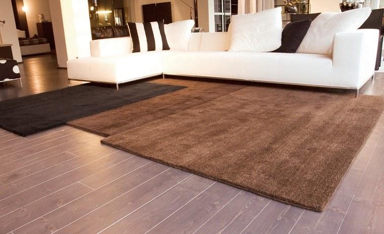 Salones con alfombras salones pequeos que parecen grandes Alfombras grandes modernas