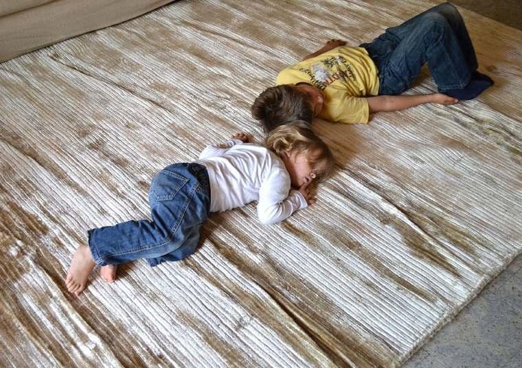 alfombra moderna color beige textura sueve ideas