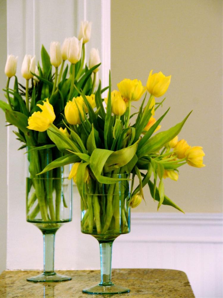 arreglos florales diseño creativo amarillo cortinas