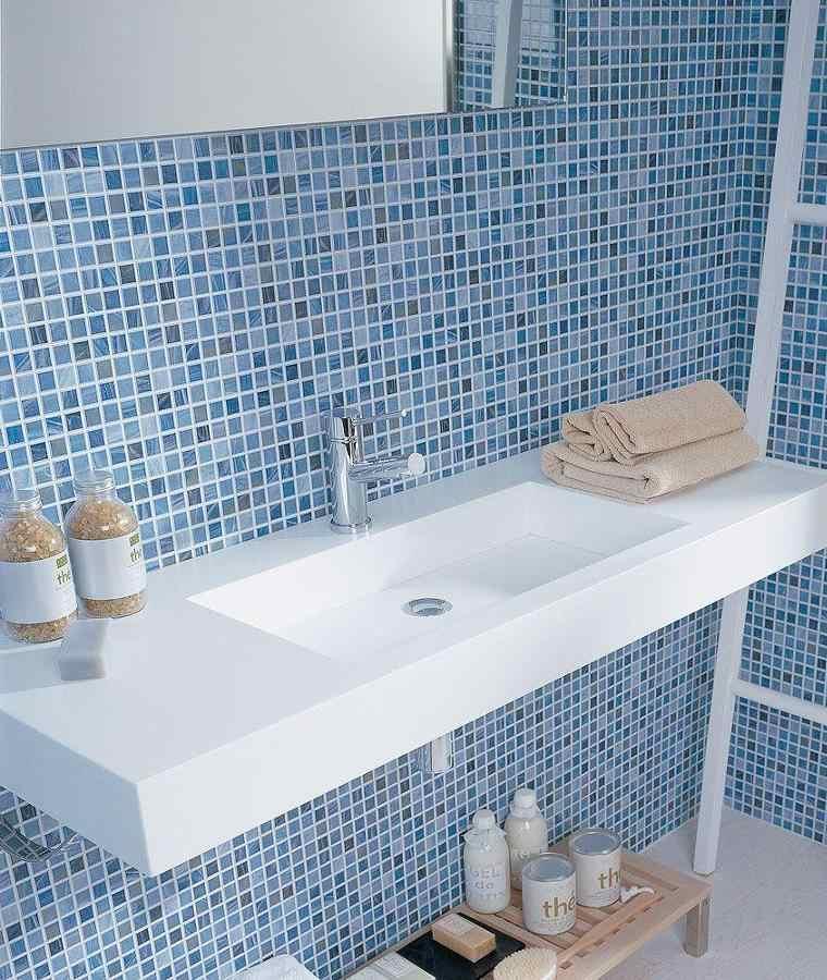 Gresite ba os revestimientos que crean ambientes - Azulejos azules para bano ...