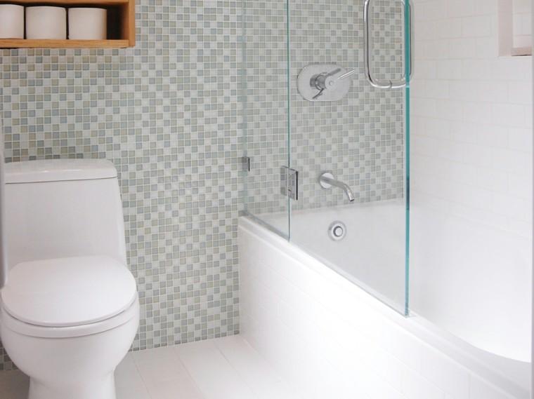 baño moderno minimalista pared mosaico