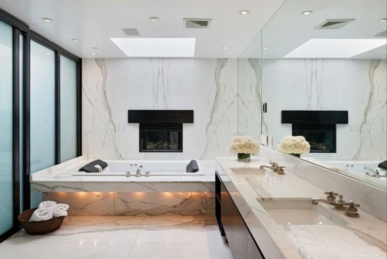 cuarto baño revestimiento mármol