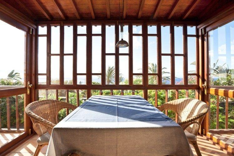 Cerrar terrazas ideas para acristalar balcones a la moda - Balcones de madera ...