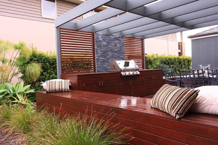 Banco para terraza el asiento perfecto para el exterior for Bancos madera jardin