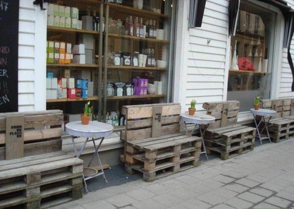 terraza bancos madera palet