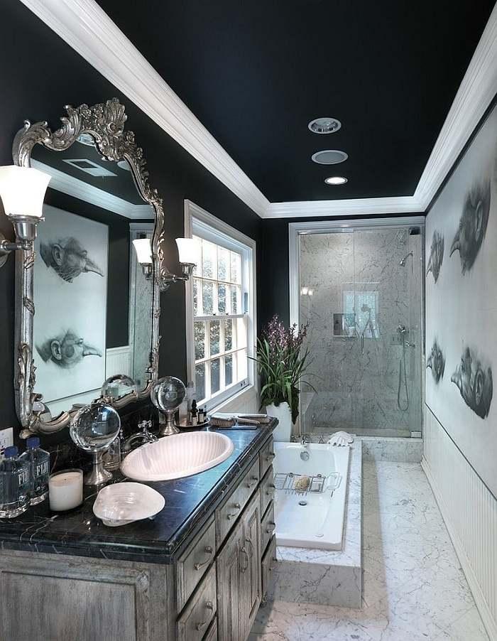 Baños Con Ducha Negra:espejo precioso y paredes negras en el baño moderno