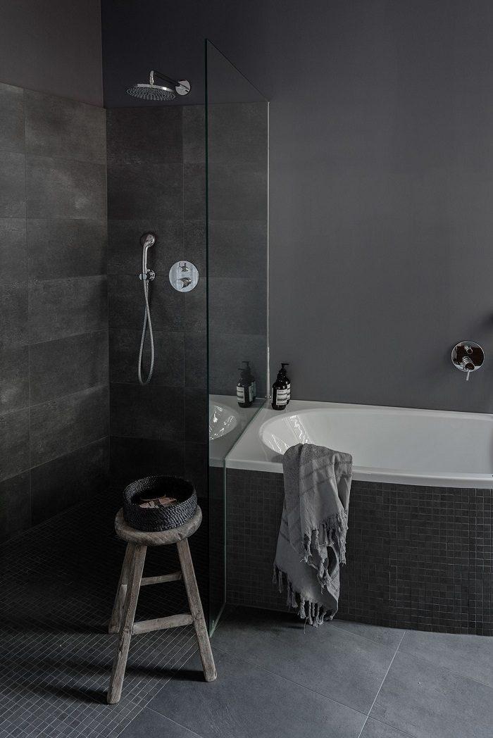 banos con ducha banera losas grices ideas