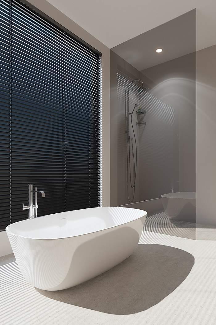Ba o ducha banera pequena idea for Ideas para banos con ducha
