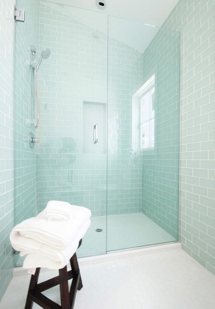 imagenes baños con ducha banera mampara losas azules ideas
