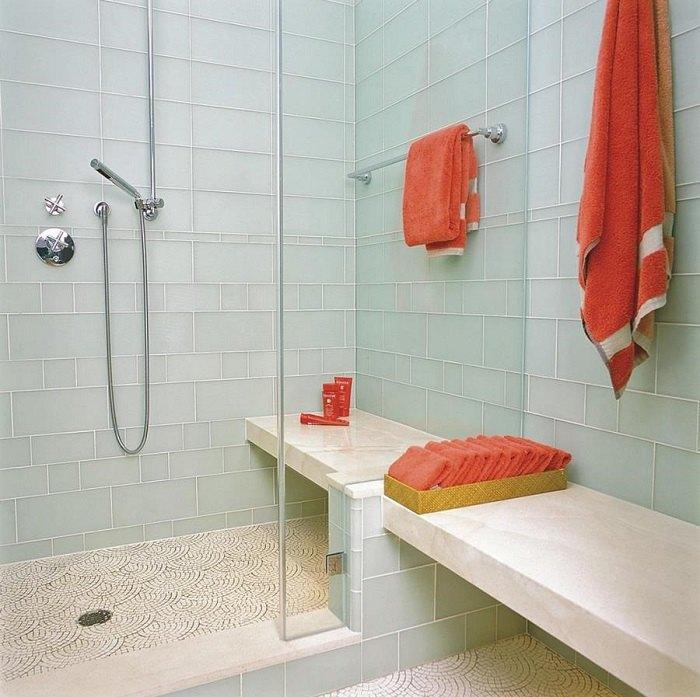 banos con ducha refrescante losas azules ideas