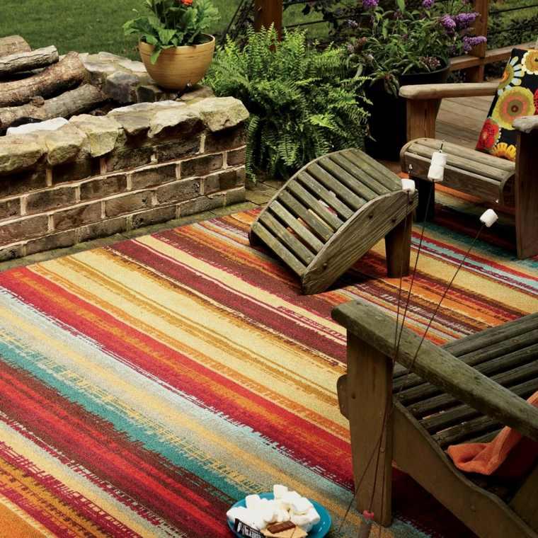 bonito diseño alfombra rayas colores