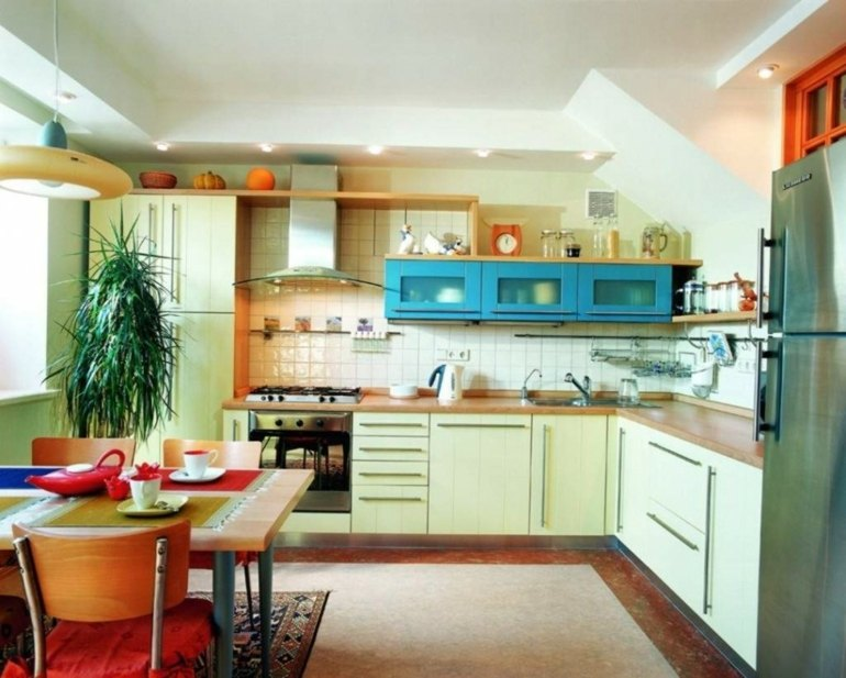 Cocinas peque as en forma de l cincuenta dise os for Disenos de cocinas americanas pequenas
