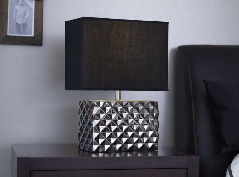 bonito diseño lampara para mesilla