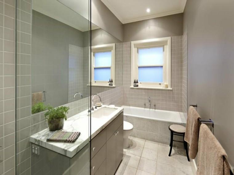 baño moderno color gris