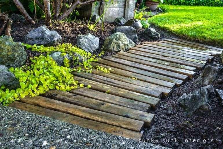 camino jardin listones madera pallet
