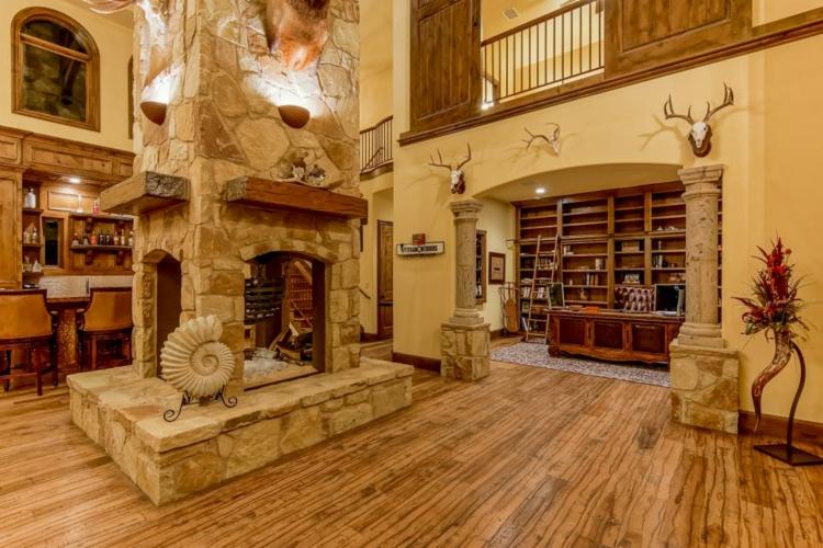 caras casa central leña decorado madera suelos