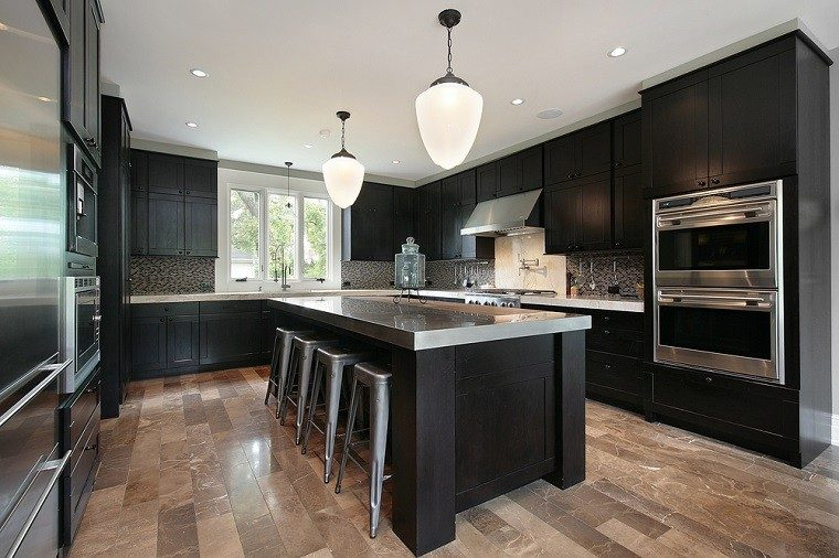 cocina amplia negra elegante isla ideas