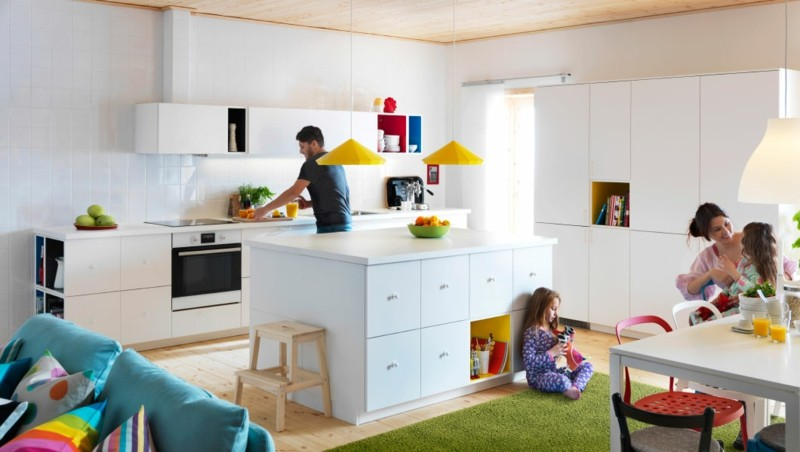cocina blanca moderna alfombra verde