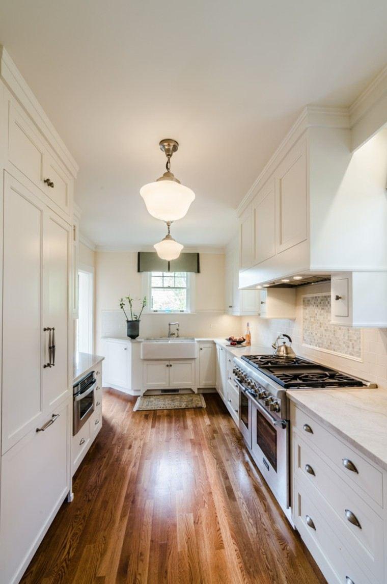 cocina estrecha muebles madera blanca ideas