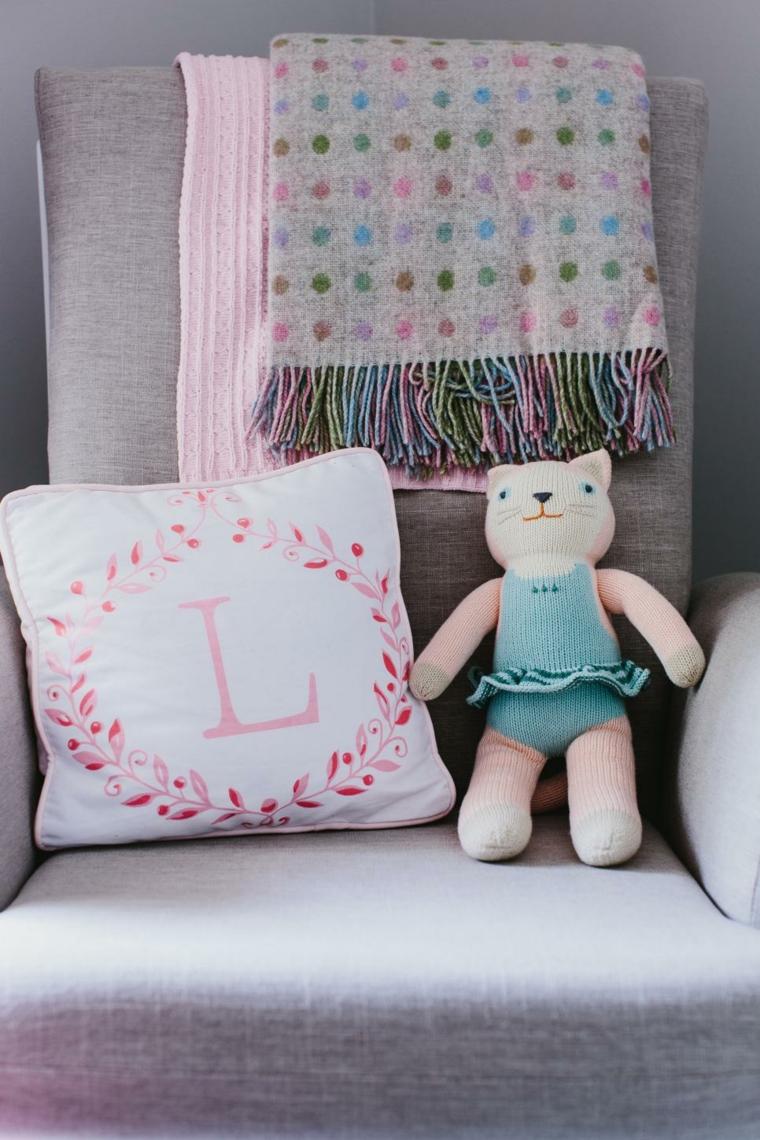 cojines rosa cuadros ideas alfombras gato