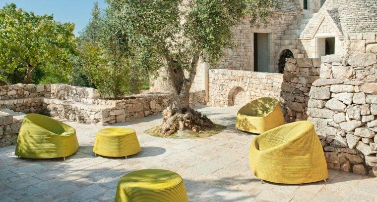 color amarillo vibrante teraza moderna ideas