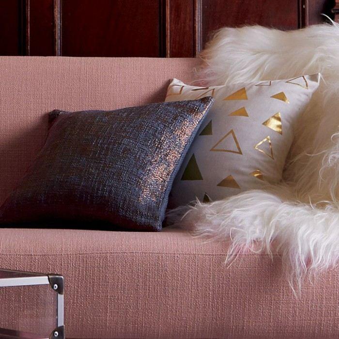 color rosa ideas detalles cojines dorados