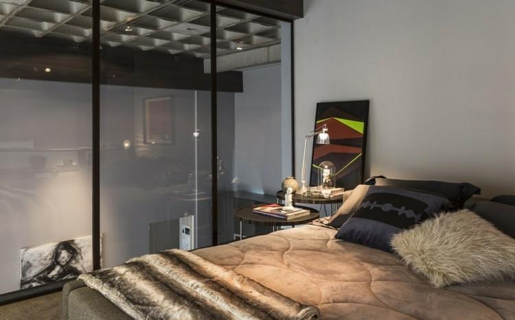 como decorar tu habitacion cojines marrones cristales