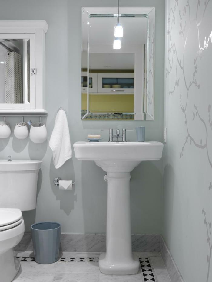 como decorar un baño pequeño y sencillo papel paredes lineas