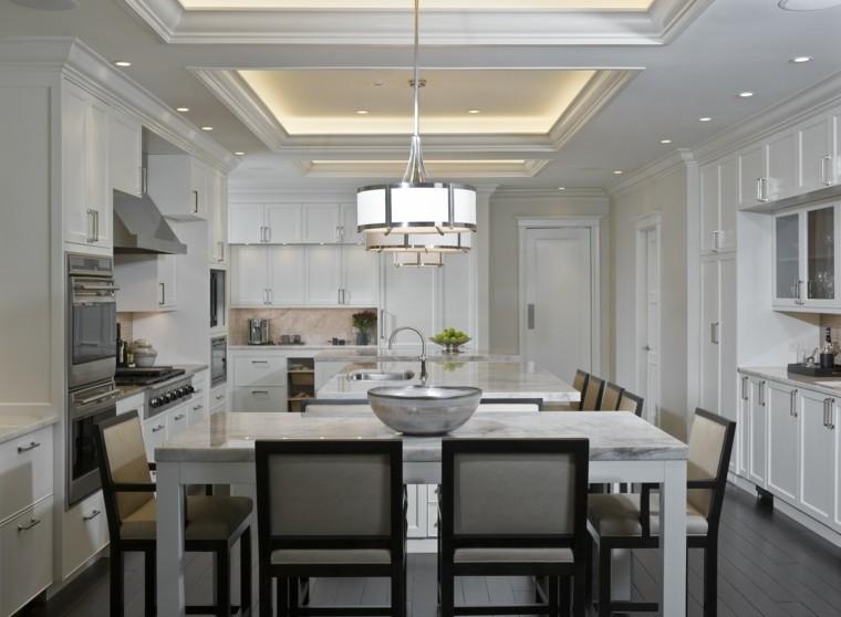 Cocina con isla y mesa with cocina con isla y mesa for Mesa auxiliar de cocina para microondas