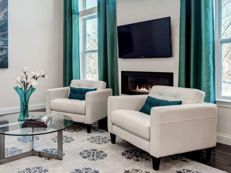 Cortinas De Baño Color Turquesa:Salón de diseño moderno con cortinas color turquesa