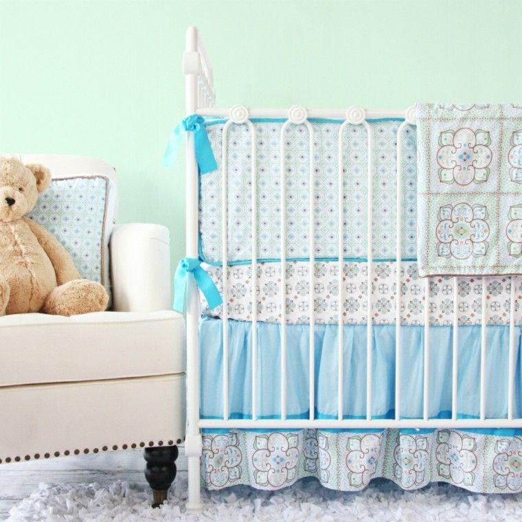cuna bebé lazos azules