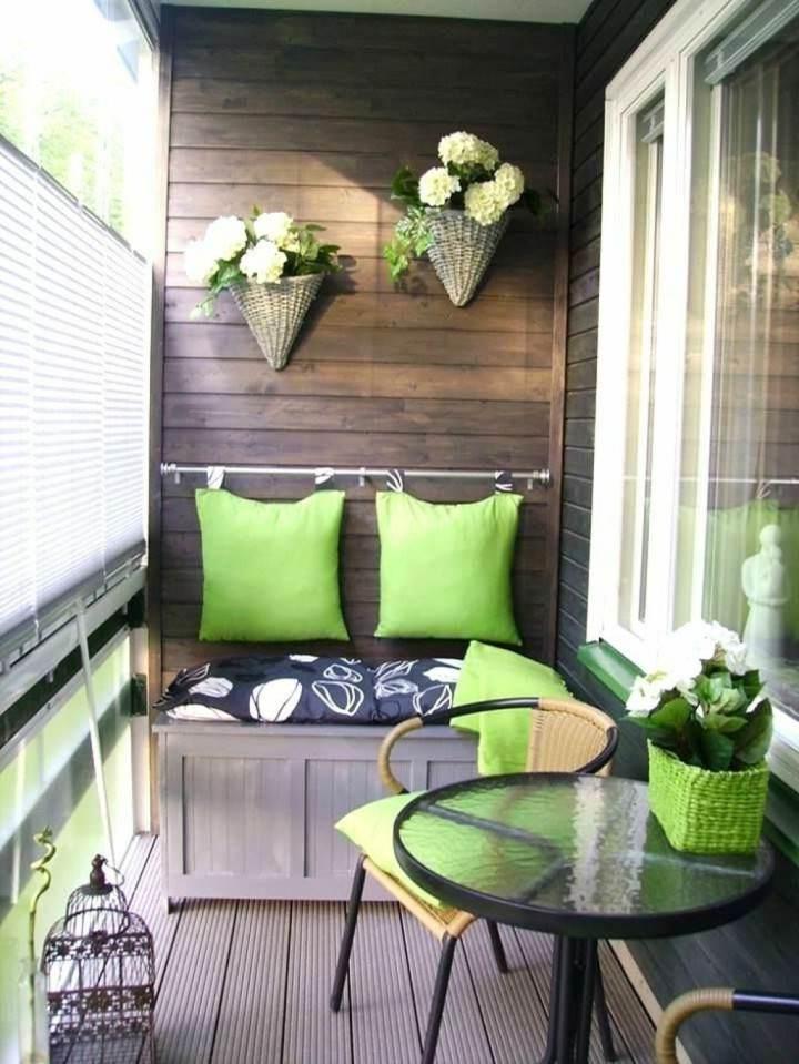 decorar balcon cojines verdes