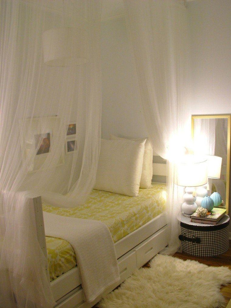 decoración cama mosquitera blanca