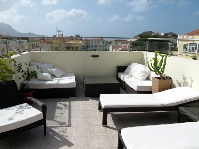 decorar terrazas muebles acolchados