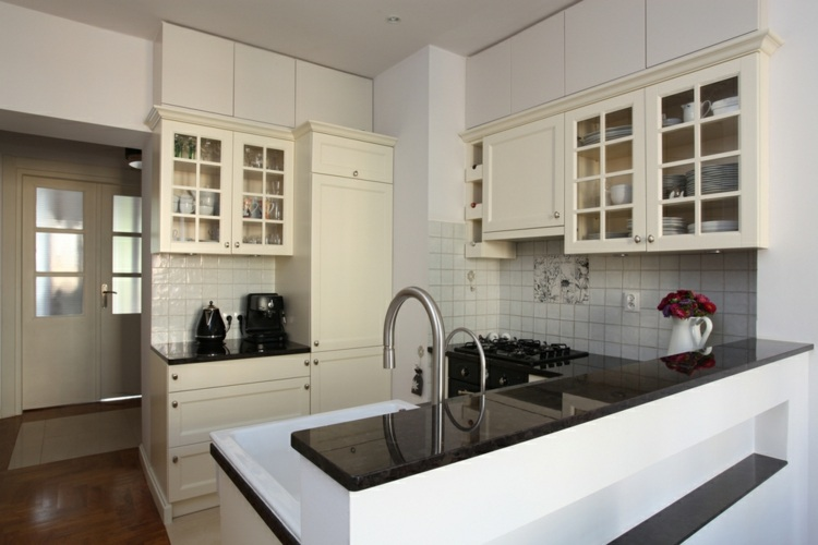 decoracion cocinas pequenas puertas cristal ideas