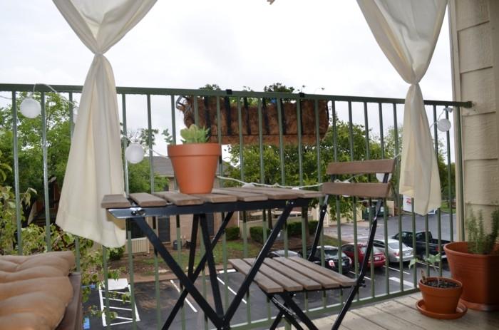 decoracion de balcones variante con cortinas