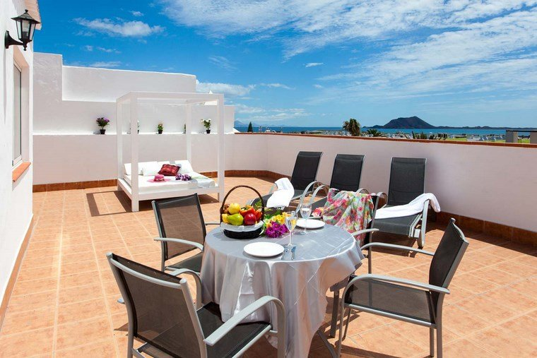 decoracion de exteriores terrazas cama dosel blanca ideas