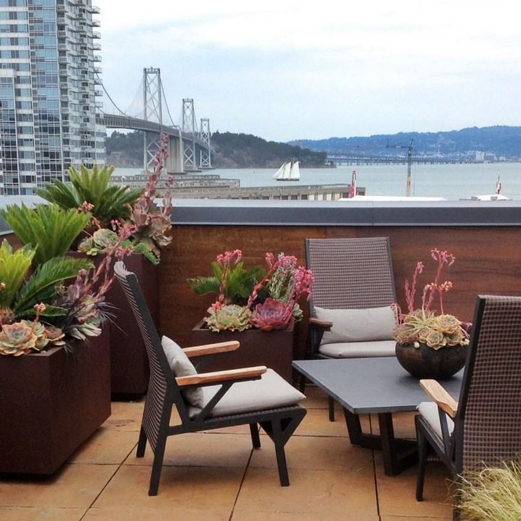decoracion exteriores terrazas macetas altas ideas